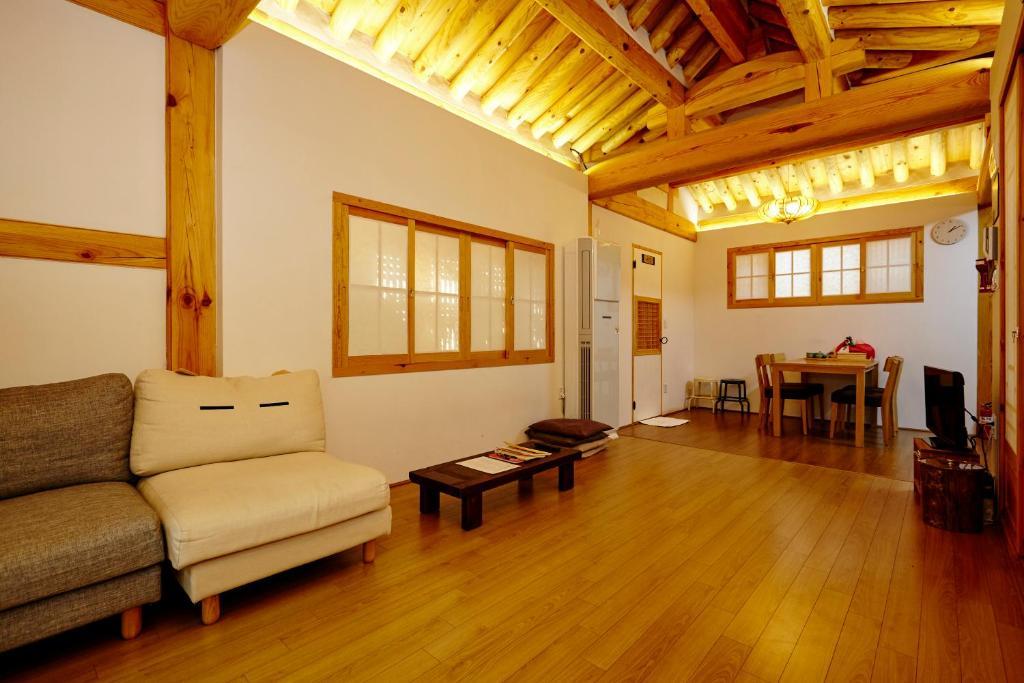 Chambres d 39 h tes hanok 24 guestmaison gyeongbokgung for Chambre hote 24