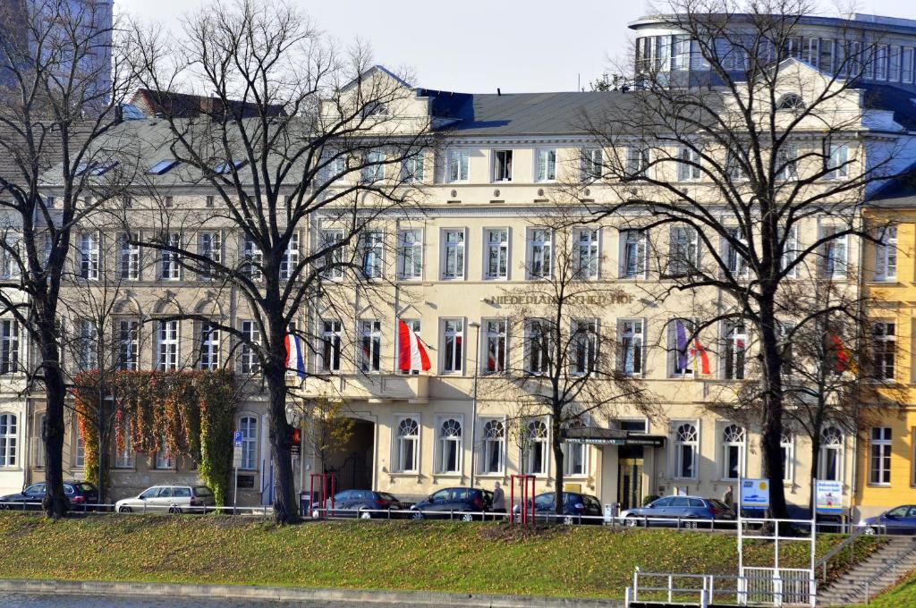 Hotel Niederlandischer Hof In Schwerin