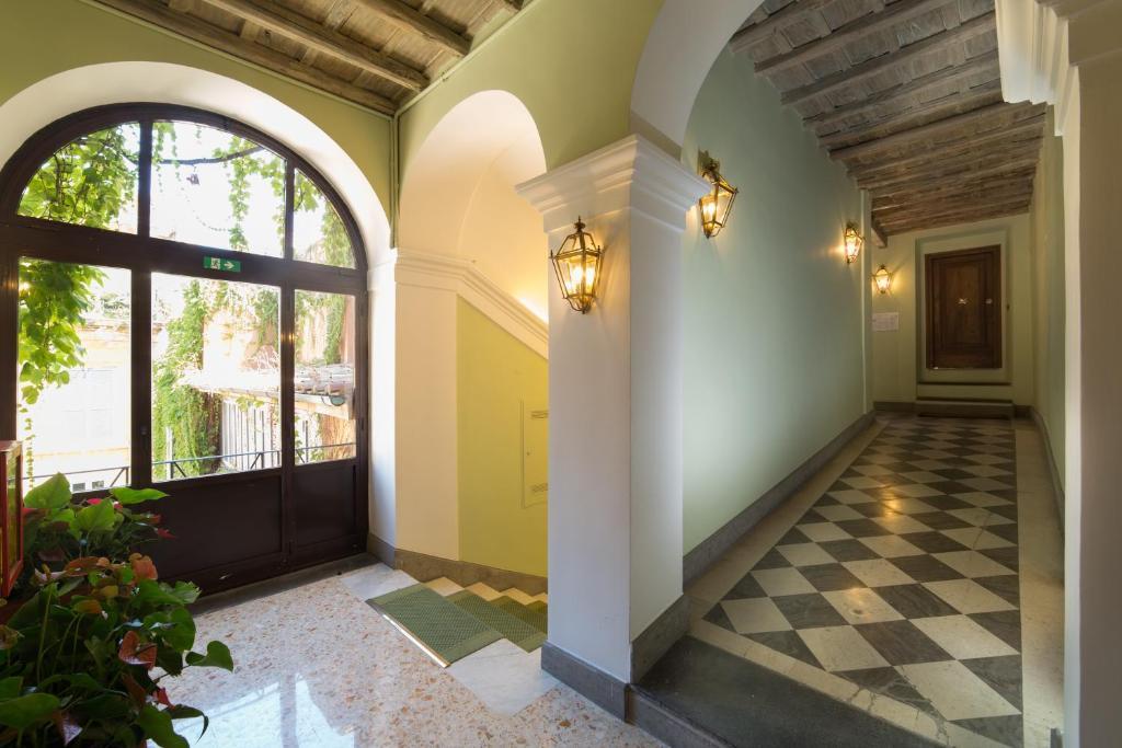 Babuino 79 r servation gratuite sur viamichelin for Hotel via del babuino