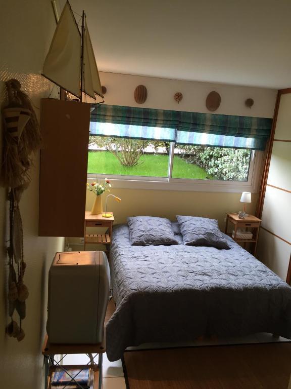 chambre double bord de mer arcachon locations de vacances. Black Bedroom Furniture Sets. Home Design Ideas