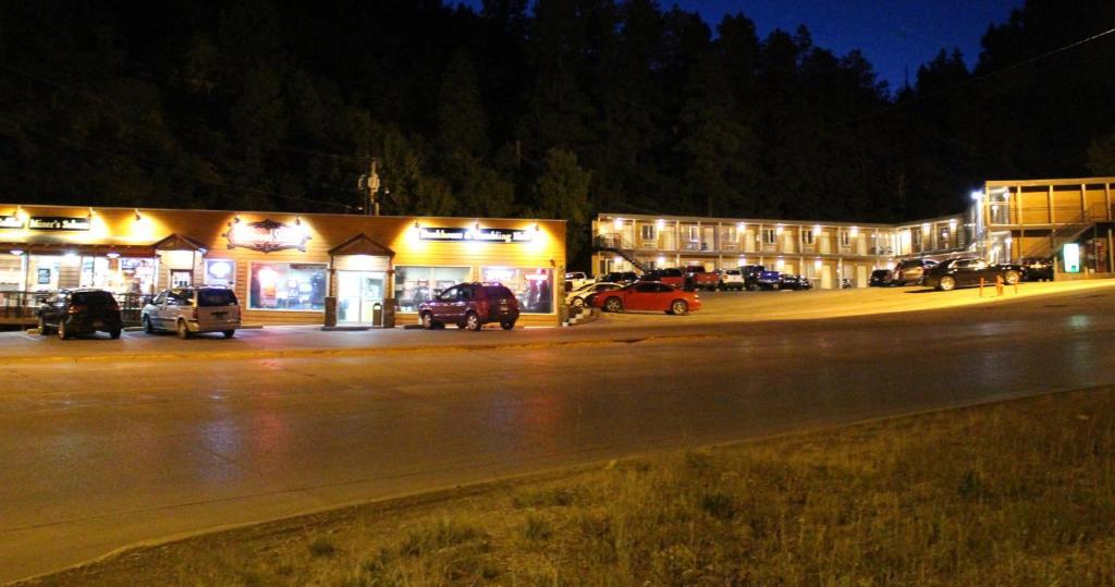 Deadwood Station Bunkhouse and Gambling Hall
