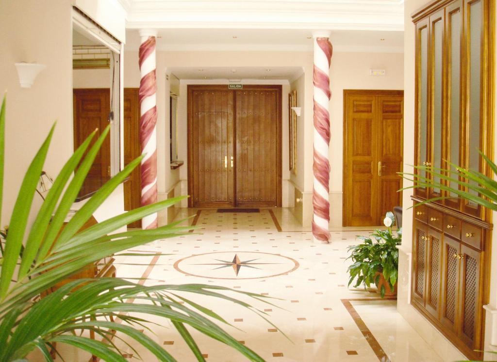 Casa jardin nerja online booking viamichelin for Casa jardin hotel
