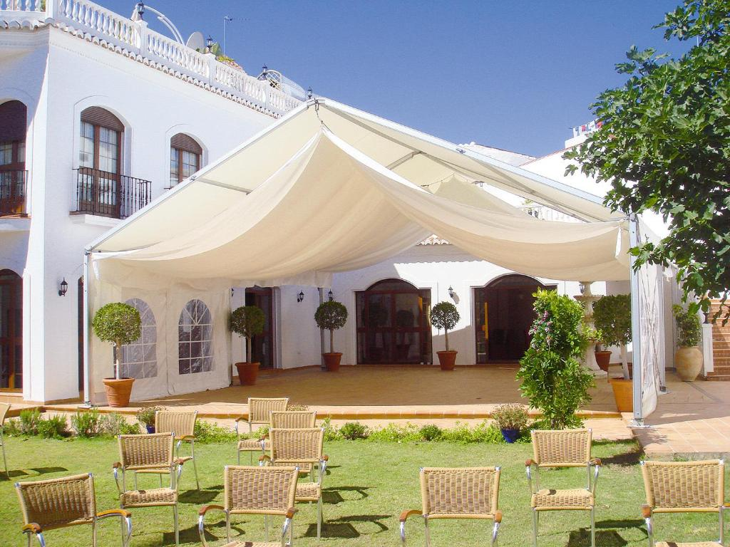 Casa jardin nerja online booking viamichelin - Jardin tecina booking ...