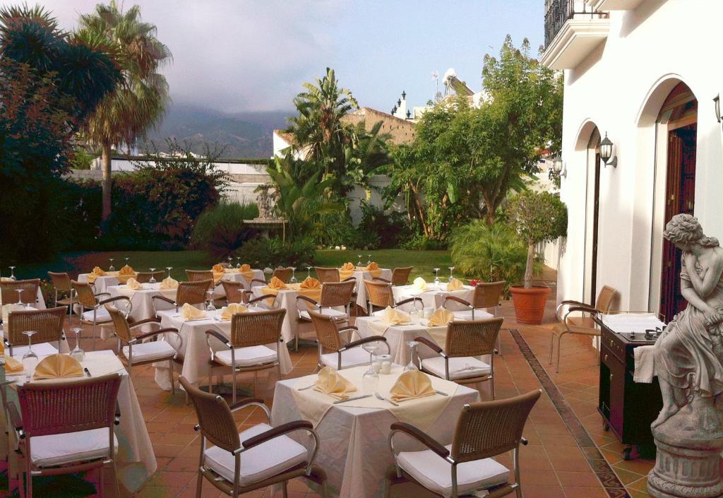 Hotel casa jardin nerja for Casa jardin hotel