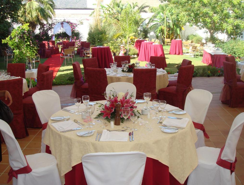 Casa jardin nerja online booking viamichelin for Jardin tecina booking