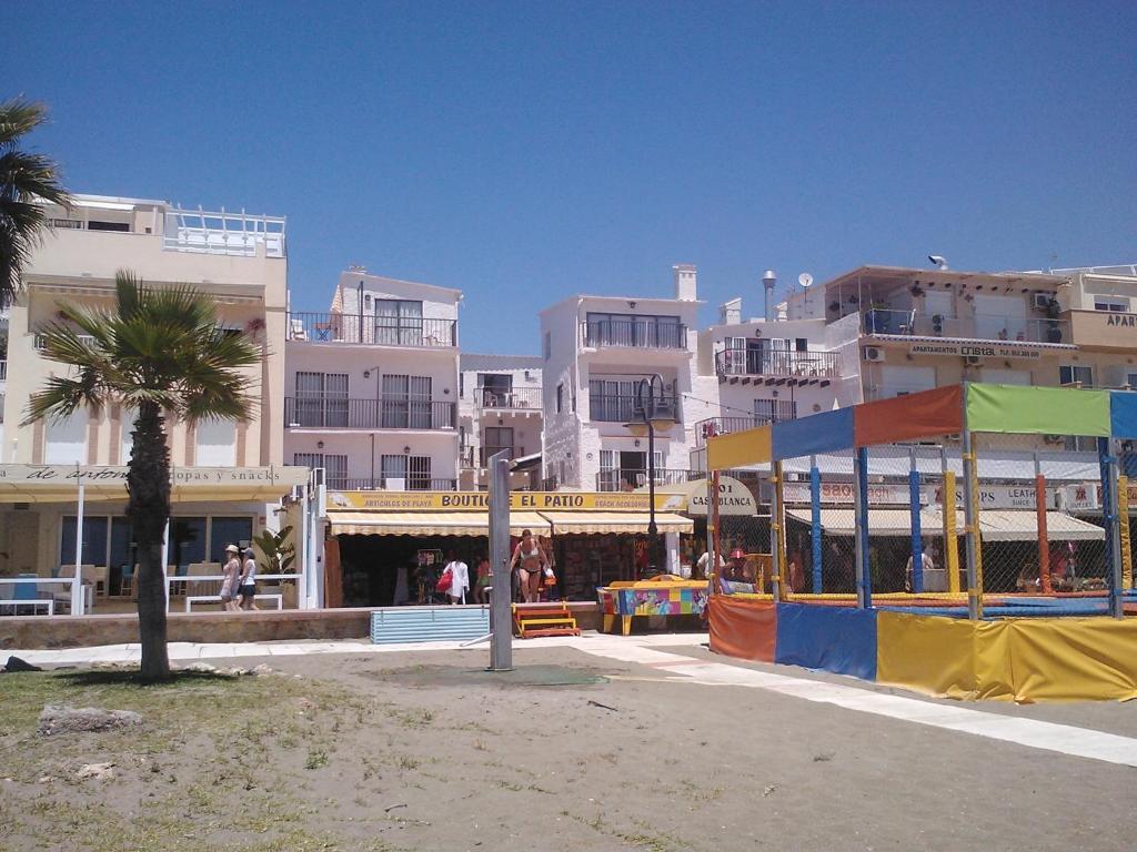 Apartamentos casa blanca torremolinos book your hotel with viamichelin - Apartamentos baratos torremolinos ...