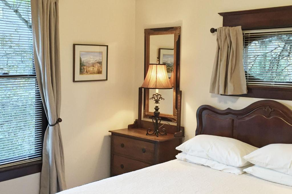 Chambres d 39 h tes 11th avenue inn bed and breakfast for Chambre 121 gratuit