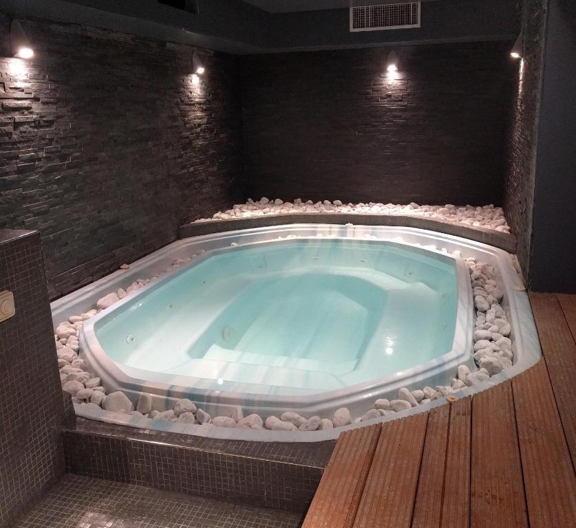hotel spa brise de mer saint rapha l book your hotel with viamichelin. Black Bedroom Furniture Sets. Home Design Ideas