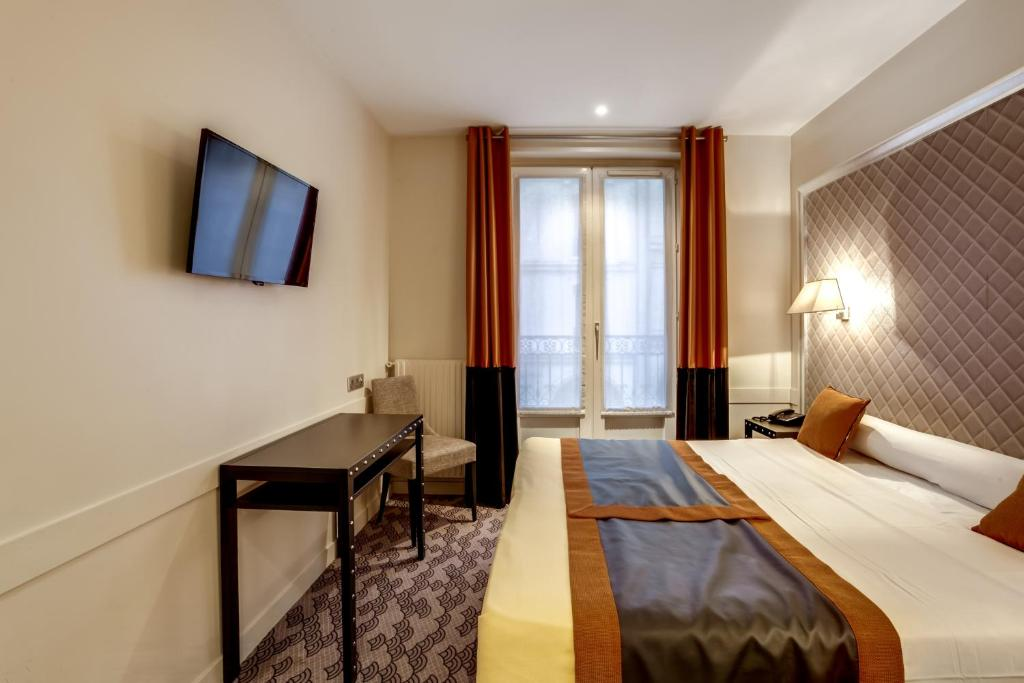 Hotel d 39 amiens paris book your hotel with viamichelin for Seven hotel paris booking
