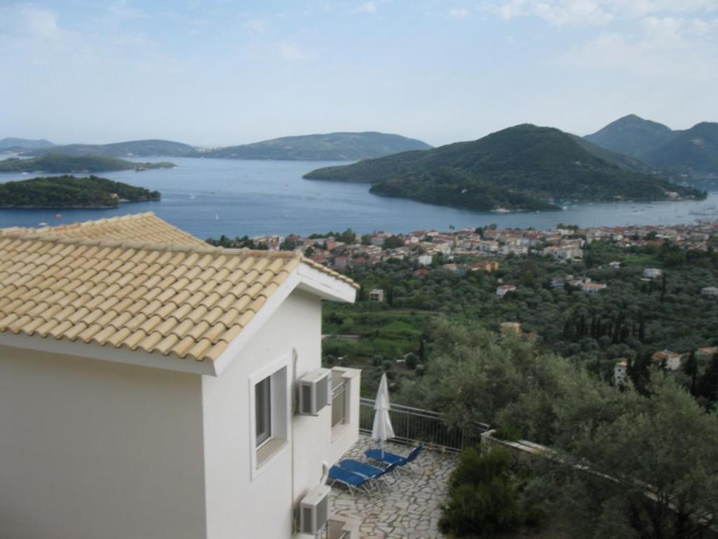 Villas odysseas leucas book your hotel with viamichelin for Pool set aktion