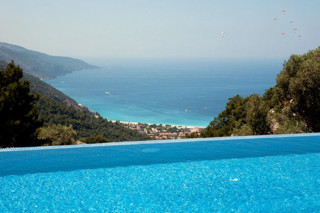 A piscina localizada em Sertil Deluxe Hotel & Spa - Adult Only ou nos arredores