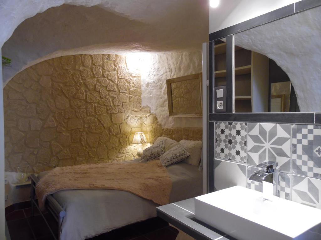Le jardin suspendu gignac book your hotel with viamichelin for Jardin suspendu