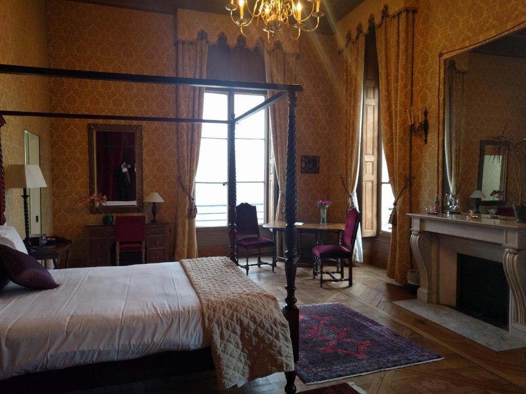 Chateau Du Marechal De Saxe Yerres Restaurant