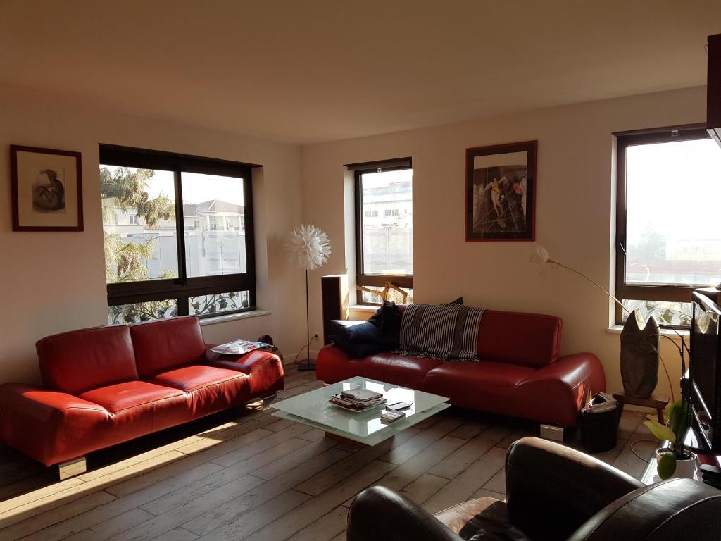 apartment neuf croix rousse avec garage apartment in lyon in le rh ne 69. Black Bedroom Furniture Sets. Home Design Ideas