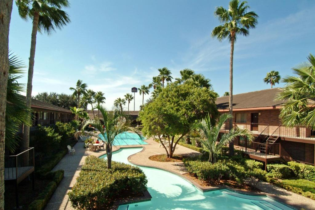 Palm Aire Hotel and Suites Weslaco