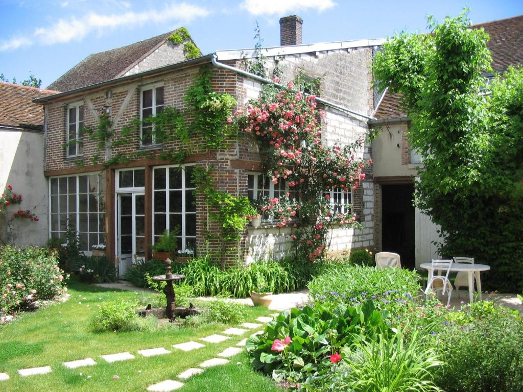 Chambre d 39 h tes la graineterie bed breakfast in for Chambre hote 89