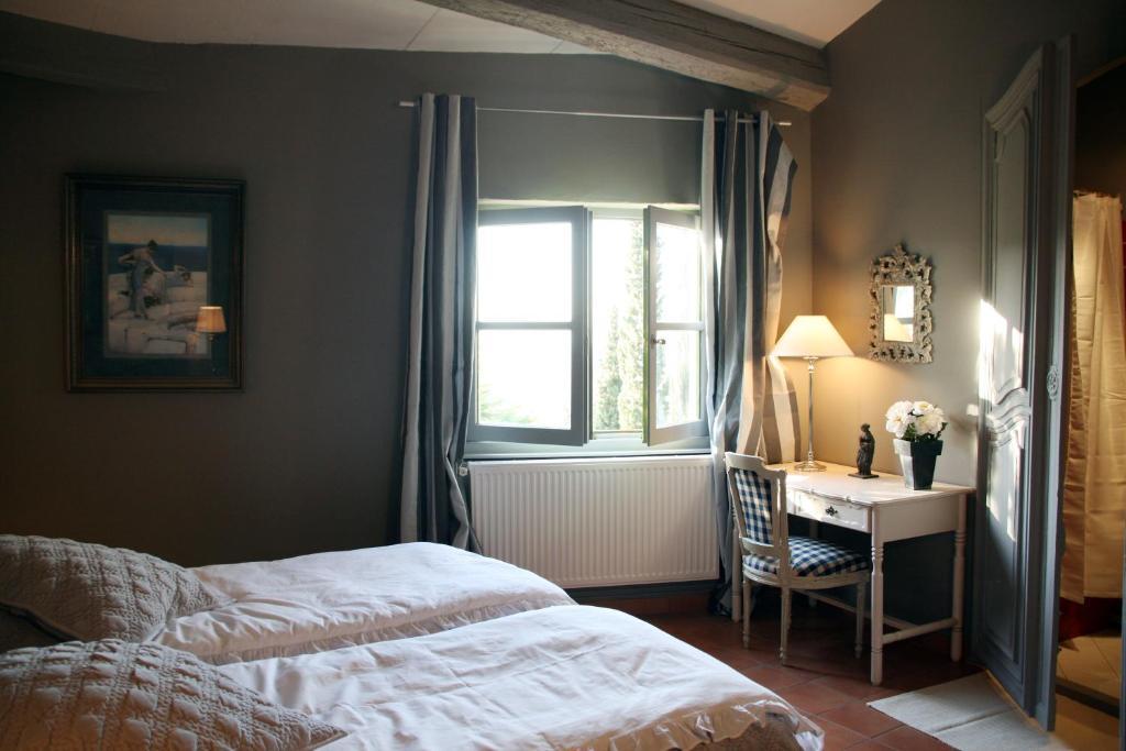 Chambres d 39 h tes la maison sur la colline chambres d for Chambre d hote carcassonne