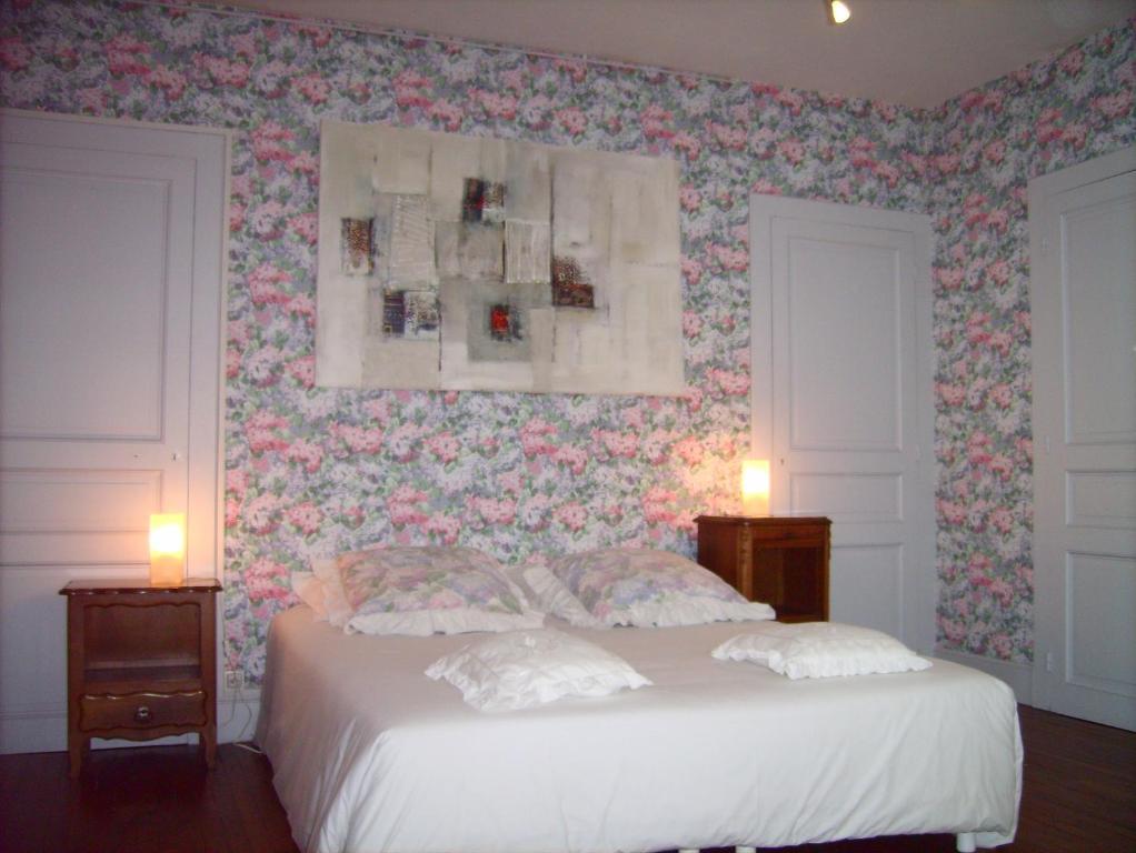 chambre d 39 h tes l 39 ambroise r servation gratuite sur viamichelin. Black Bedroom Furniture Sets. Home Design Ideas