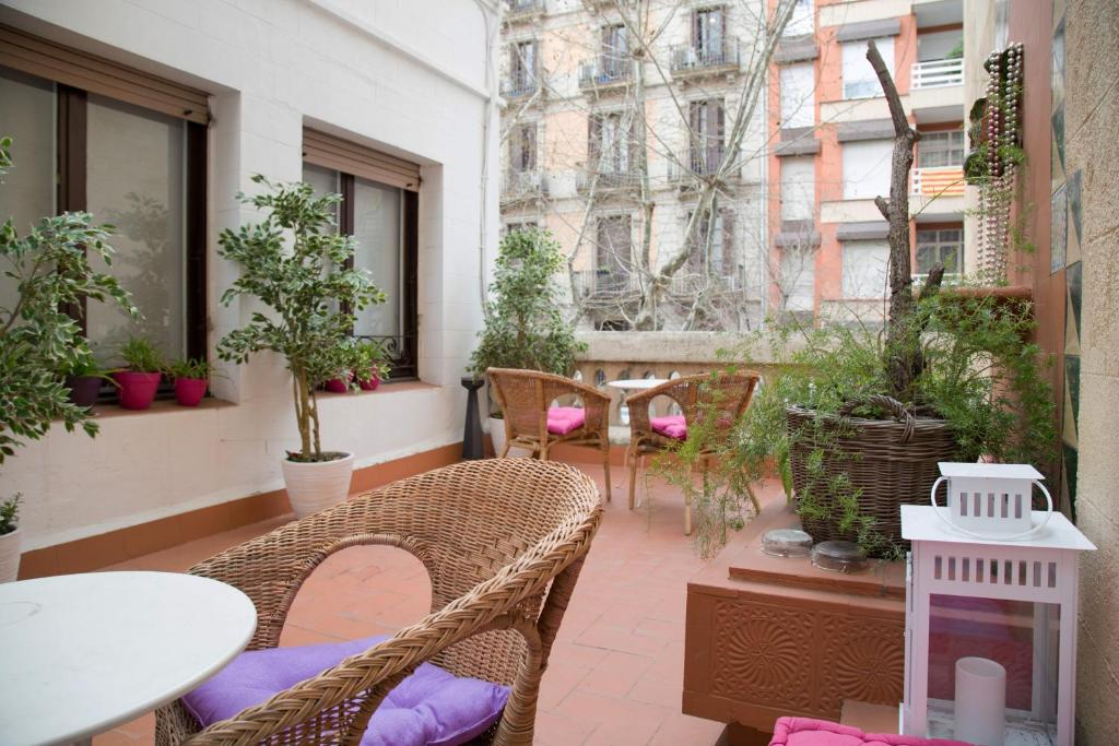 Jardinets guest house chambres d 39 h tes barcelone - Chambre d hotes barcelone ...