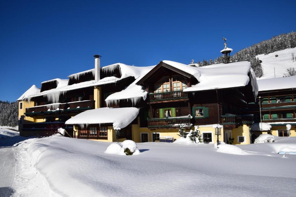 Hotel unterhof r servation gratuite sur viamichelin for Reservation gratuite hotel