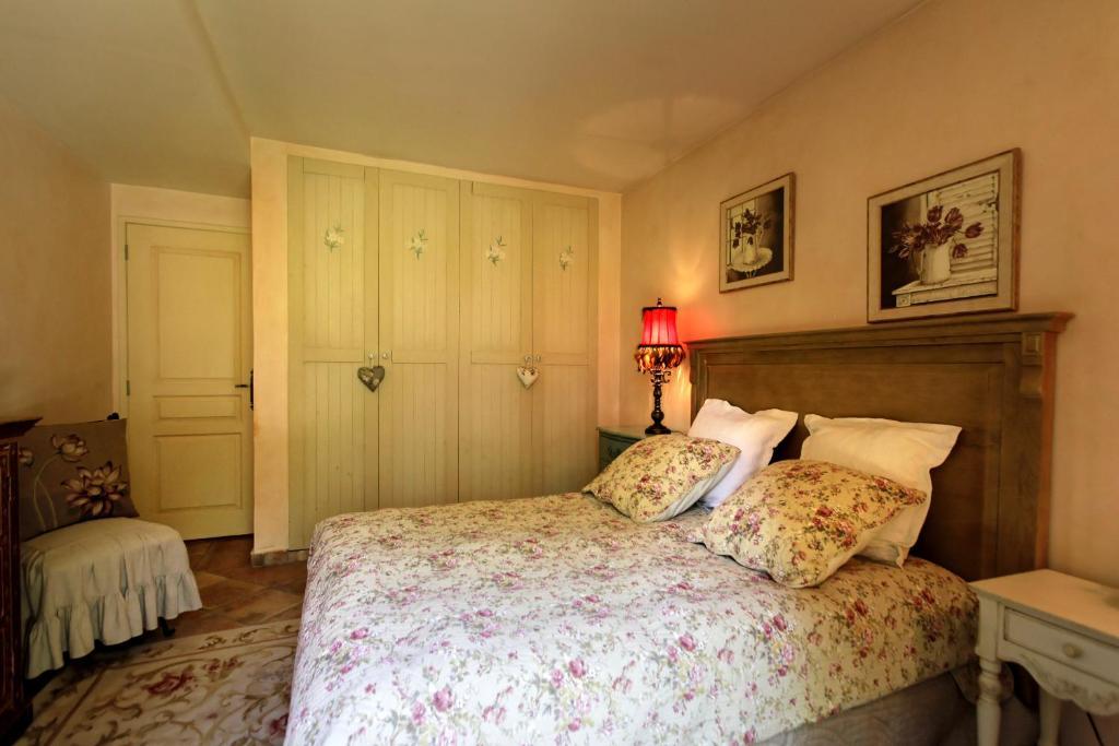 Chambres d 39 h tes maison nounette chambres d 39 h tes - Chambre notaire alpes maritimes ...