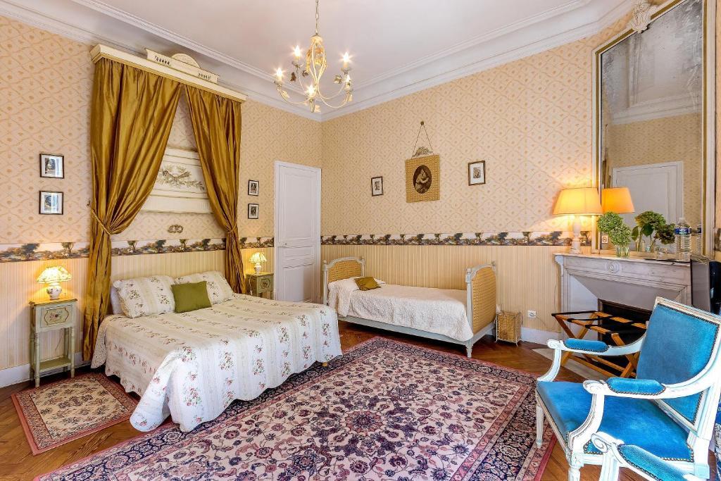 chateau de valmousse r servation gratuite sur viamichelin. Black Bedroom Furniture Sets. Home Design Ideas