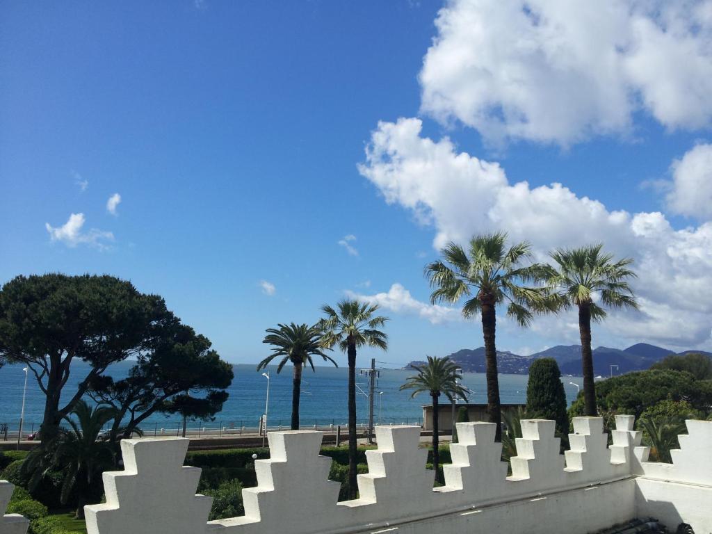 Villa Belle Rive Cannes Book Your Hotel With Viamichelin