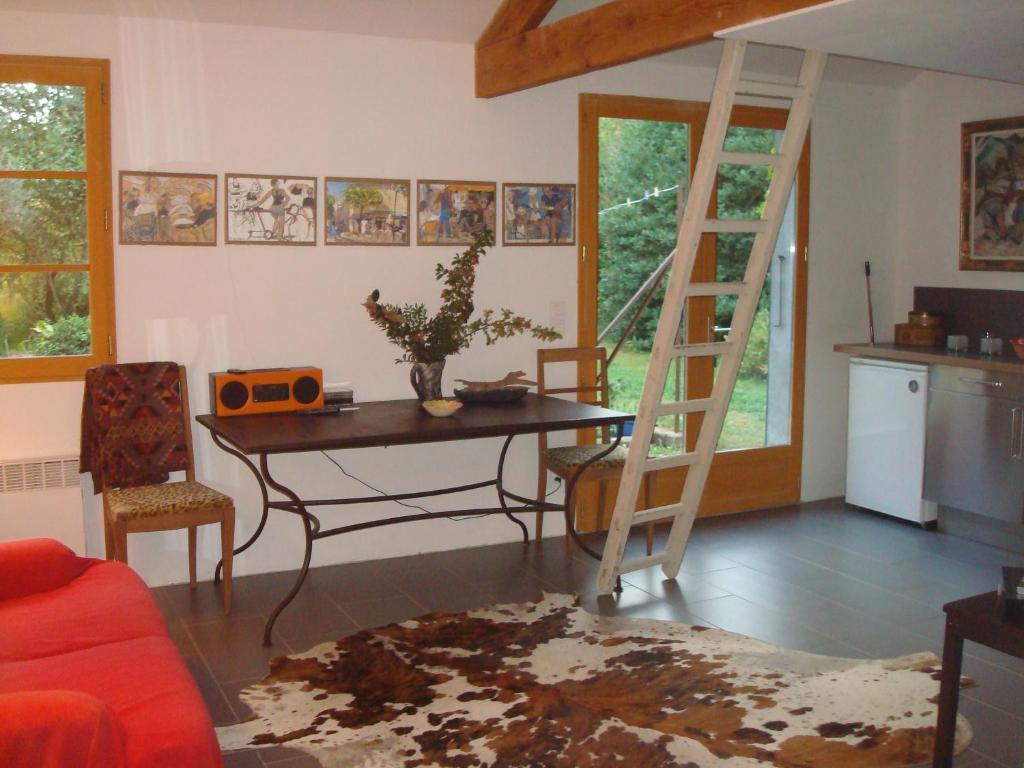 Petite maison et jardin en provence locations de vacances for Maison et jardin