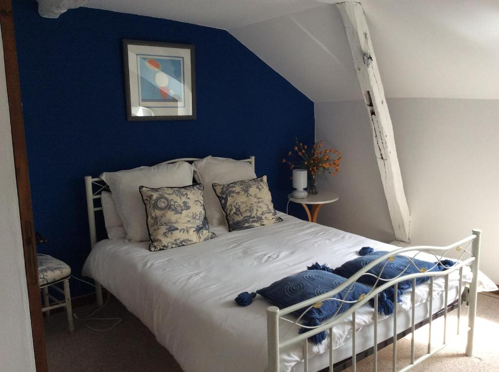 Chambre d 39 hotes la charrue bed breakfast in vieux for Chambre hote 24