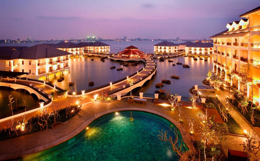 Kết quả hình ảnh cho Khu nghỉ InterContinental Hanoi Westlake