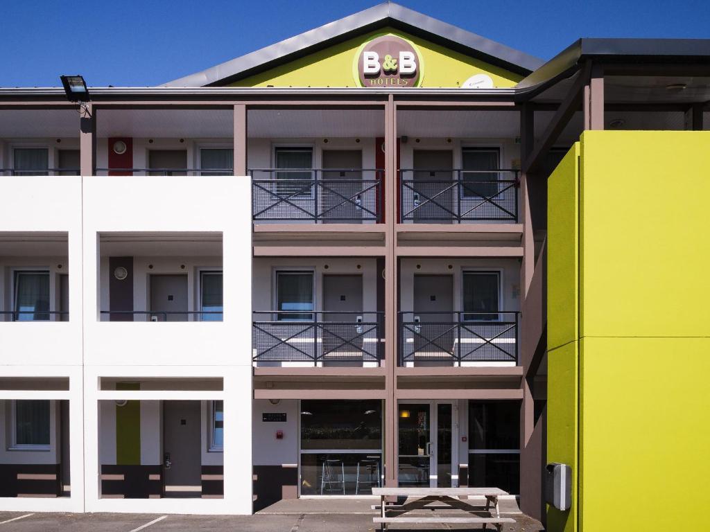 b b hotel saint brieuc tr gueux. Black Bedroom Furniture Sets. Home Design Ideas