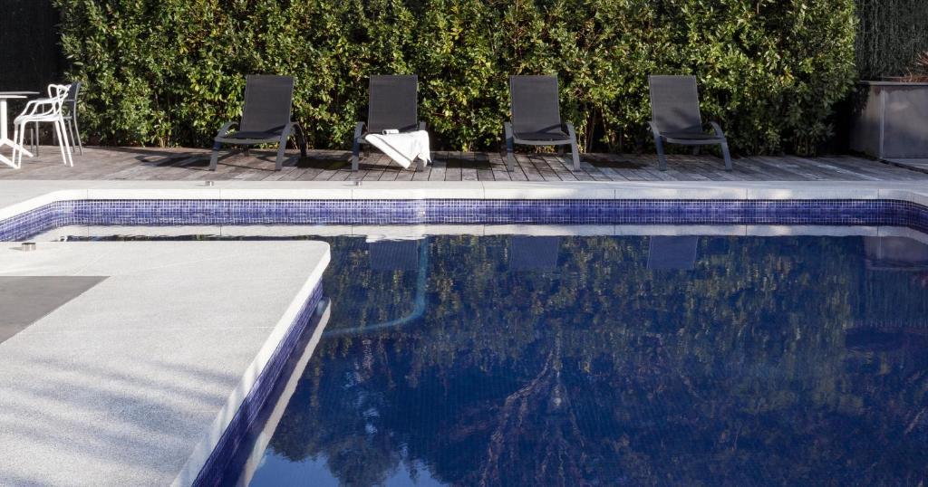 Villa birdie donostia san sebasti n reserva tu hotel for Hoteles con piscina en san sebastian