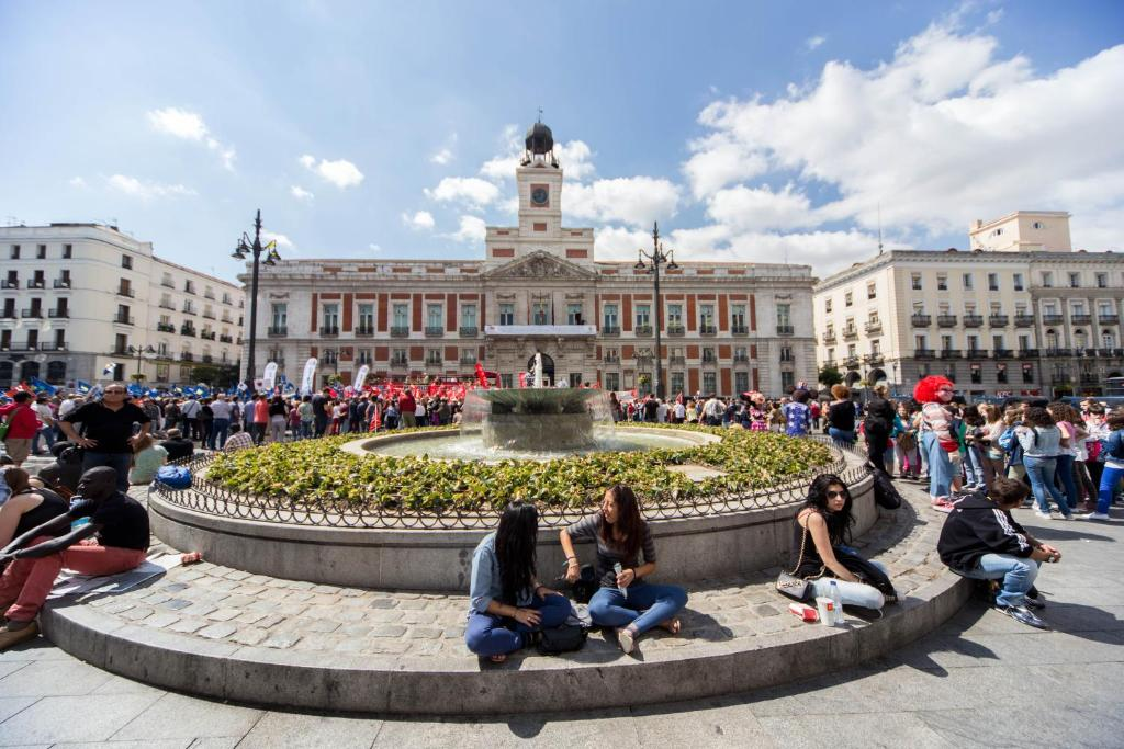 Place price puerta del sol r servation gratuite sur for Hotel arenal madrid