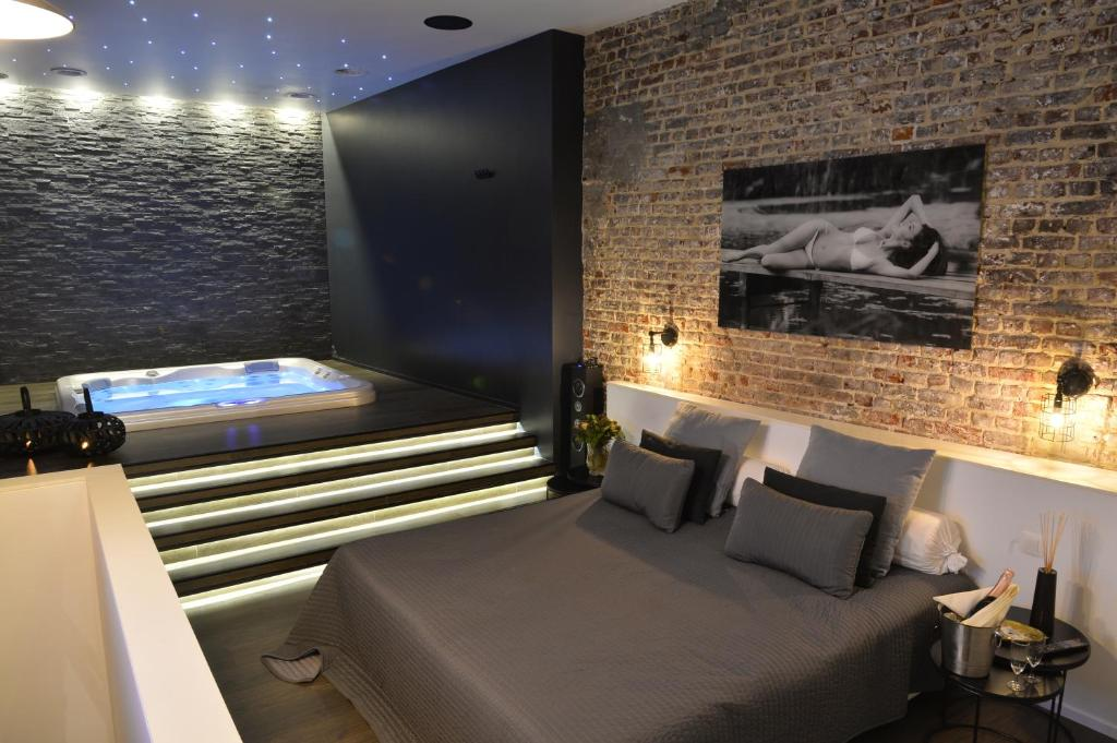 apartment chambre avec jacuzzi sauna privatif holiday