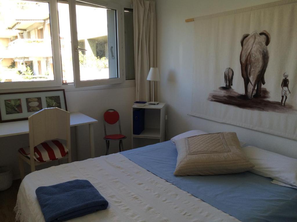 Chambre d 39 h tes la petite maison chambres d 39 h tes marseille for Marseille chambre