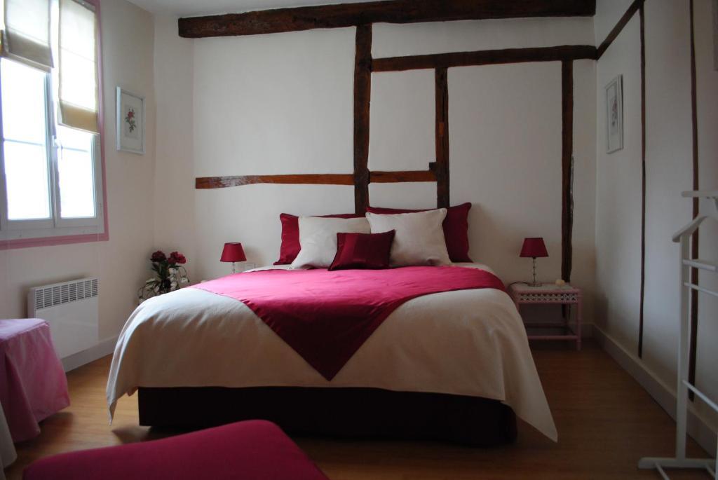 chambres d 39 h tes le relais du bon 39 eure chambres d 39 h tes evreux dans l 39 eure 27. Black Bedroom Furniture Sets. Home Design Ideas