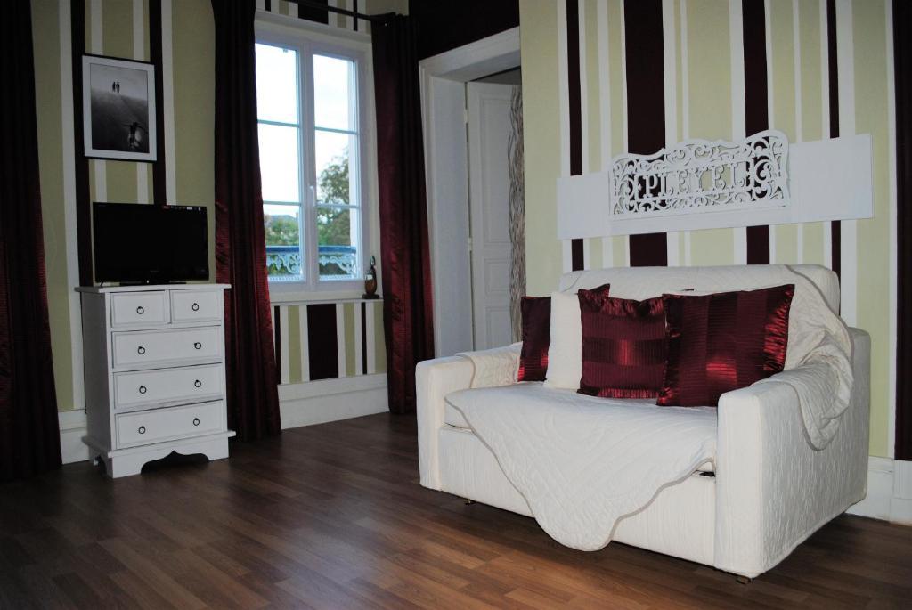 chambres d 39 h tes le relais du bon 39 eure chambres d 39 h tes evreux. Black Bedroom Furniture Sets. Home Design Ideas