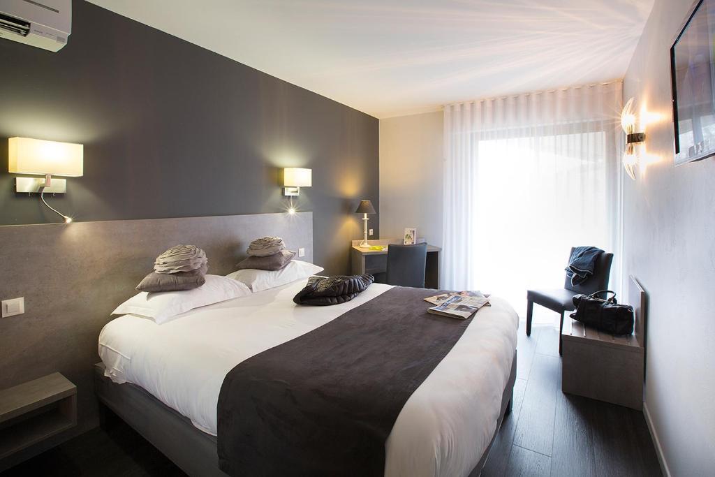 le relais de farrou villefranche de rouergue. Black Bedroom Furniture Sets. Home Design Ideas