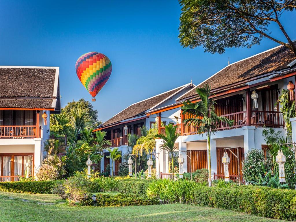Riverside boutique resort vang vieng r servation for Domon guesthouse vang vieng
