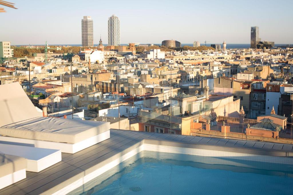 Yurbban trafalgar hotel barcelona book your hotel with for Hotel bcn barcelona