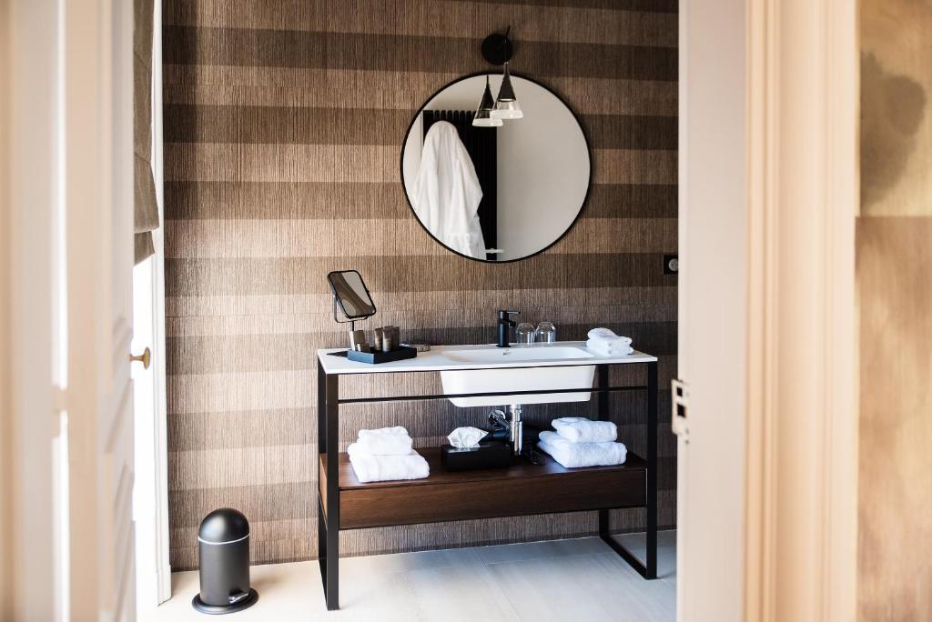 la villa guy b b b ziers online booking viamichelin. Black Bedroom Furniture Sets. Home Design Ideas