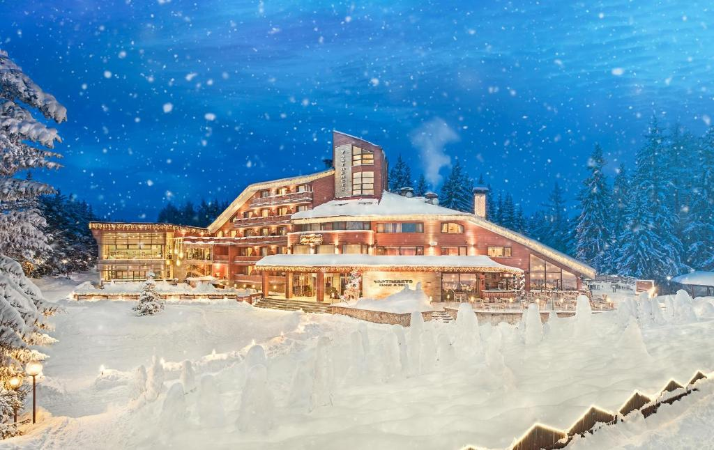 Bulgaria, Borovets, Hotel Yastrebets Wellness & Spa. This impressive spa hotel is located in the heart of the magnificent Rila mountain range, near the popular ski resort of Borovets, only a 50-minute drive away from Sofia. Hotel Yastrebets Wellness & Spa is located directly at the Yastrebets ski slope and features a gourmet restaurant and a piano bar. The rooms boast a terrace with stunning views over the ski slope or to the pine forest, plasma screen TVs and much more. Some rooms also feature a Finnish sauna. The spa facilities include a Finnish sauna, a steam bath, a herbal bath, Kneipp foot therapy and a sumptuous lounge with exotic showers. Guests can make use of a variety of cosmetic procedures and massages, Ayurveda treatments, a hot stone therapy and many others. The fitness area includes a 15-metre indoor swimming pool, an ice fountain, a solarium, a hot tub and a well-equipped gym. An open terrace reveals views to pine trees.