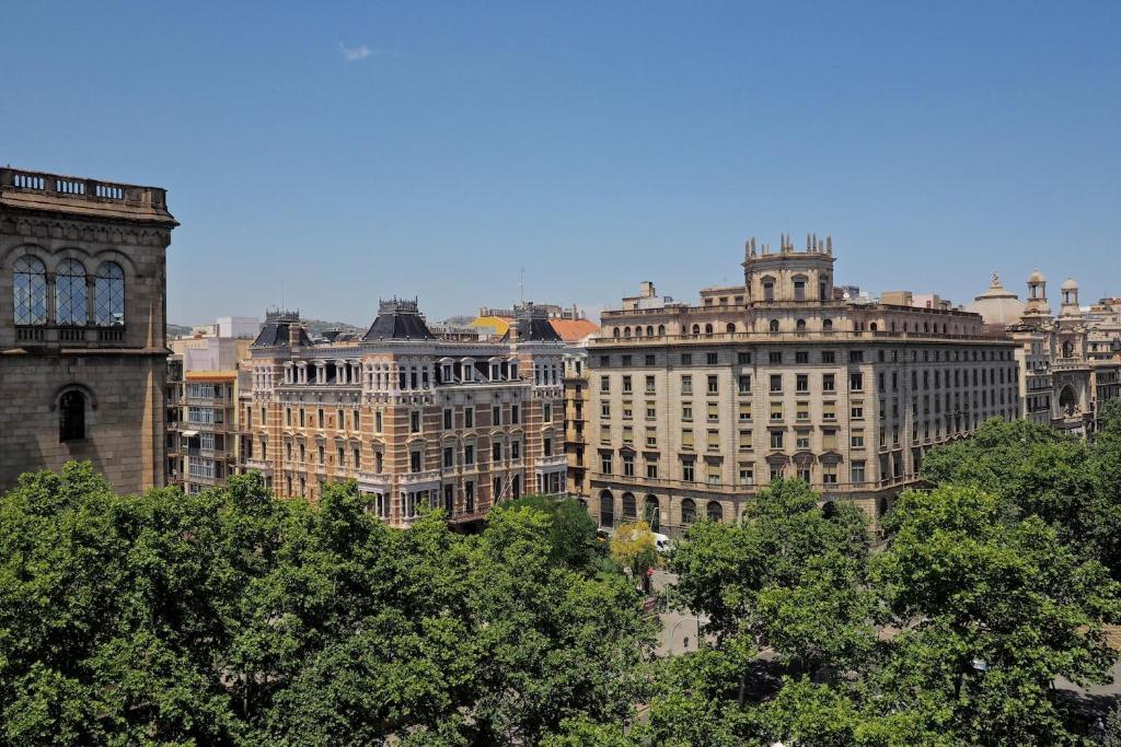 Pla a universitat apartment barcelona spain - Placa universitat barcelona ...