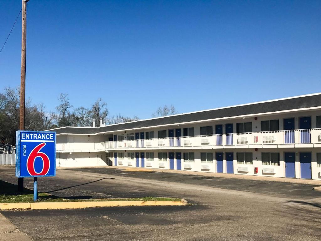 Motel 6 lufkin r servation gratuite sur viamichelin for Reservation motel