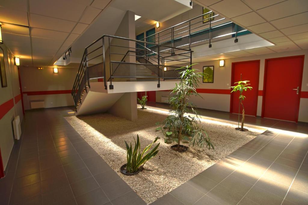 Appart 39 h tel avignon campus del sol noves reserve o for Hotel appart avignon