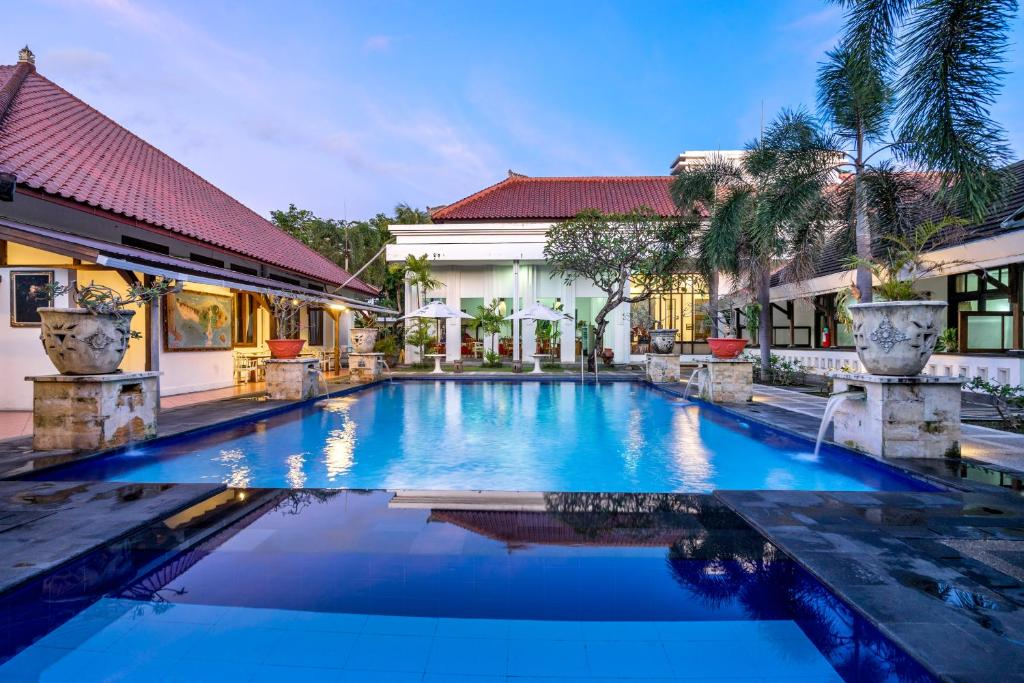 Inna bali heritage hotel denpasar barat book your for Bali indonesia hotel booking