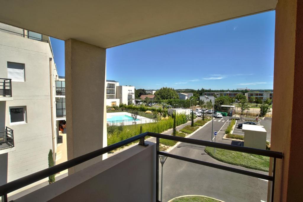 Appart 39 h tel avignon campus del sol noves online for Hotel appart avignon