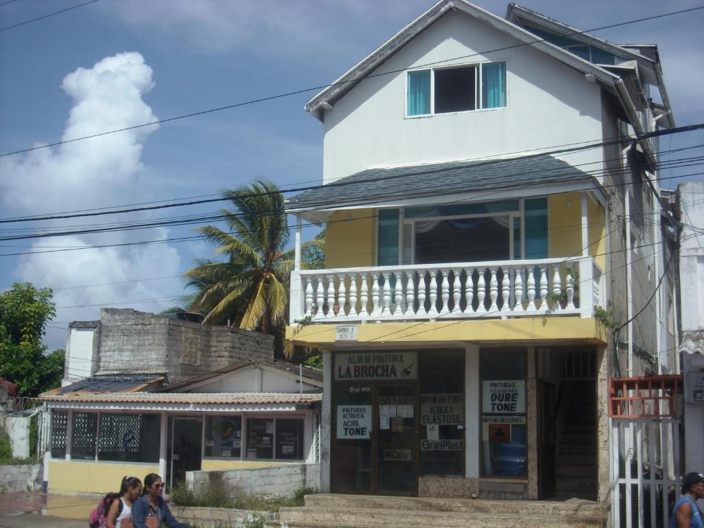 Nastoms village san andr s reserva tu hotel con viamichelin for Hoteles con habitaciones familiares en san sebastian