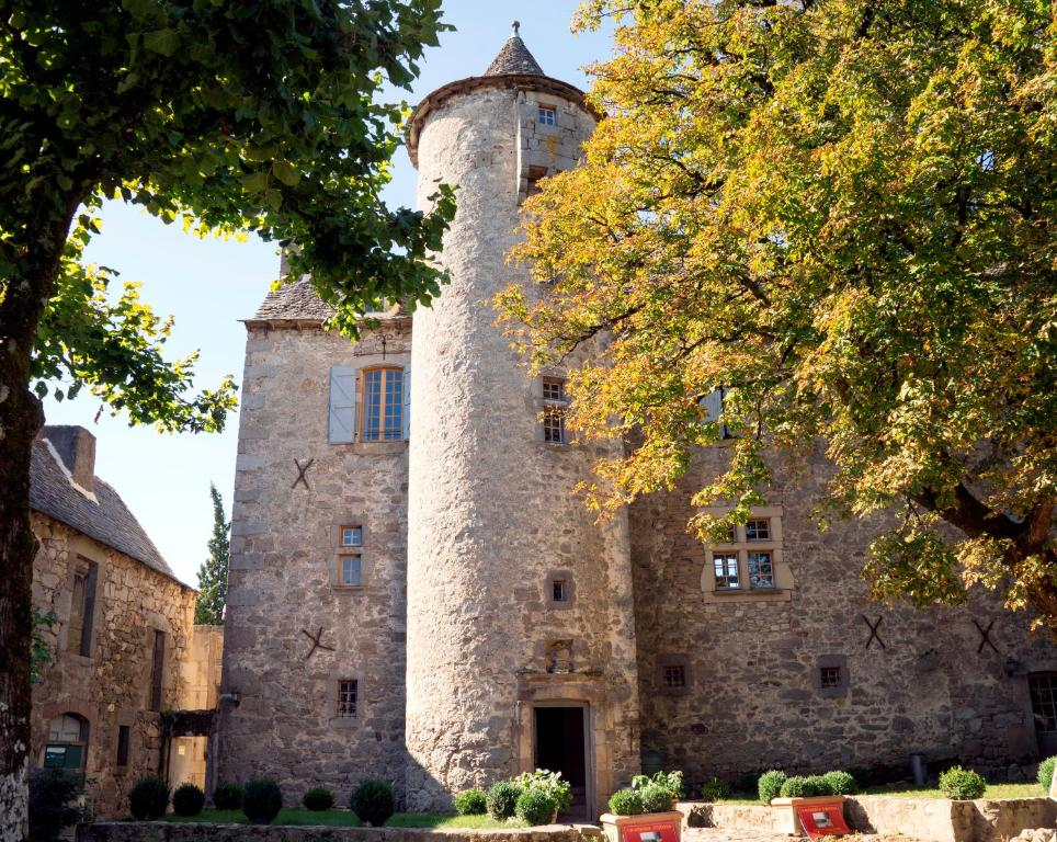 Chambres d 39 h tes au ch teau rieupeyroux book your for Chambre d hote chateau thierry