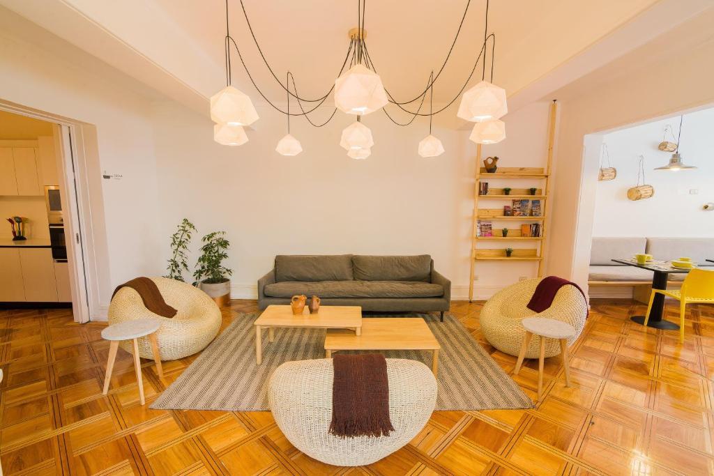 Uma área de estar em Casa Baquedano